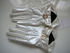 ピンキー&ダイアンショート丈手袋メタリックアイボリー