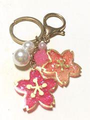 桜のレジンバックチャーム、金平糖パーツ付き、ハンドメイド