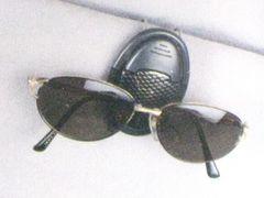 ★3色より★サングラスホルダー(眼鏡)�A