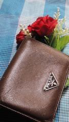 鑑定済必見人気のレザーPRADA2つ折り財布