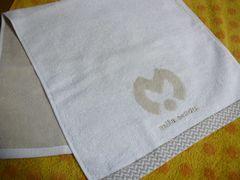 ミラショーンフェイスタオル(今治)アイボリービッグロゴ刺繍