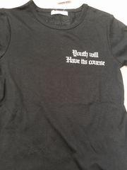 タグ付きTシャツ