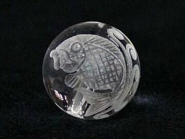 ☆夫婦鯉(左向き)の彫りビーズ☆天然水晶12mm@1個