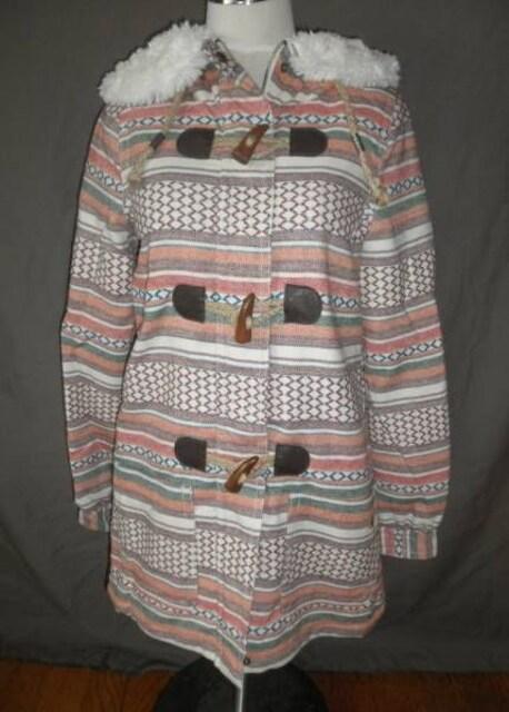 【ROXY】ネイティブアメリカン系柄 ボアフード付 ハーフJKT US S  < 女性ファッションの