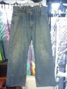 リーバイス504〓太めストレートジーンズ腰履き