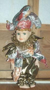 西洋アンティーク風幼い男の子民族衣装のビスクドール
