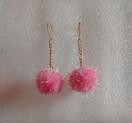 キラキラぽんぽん♪ピンク色♪チェーンゆらゆらゴールドピアス