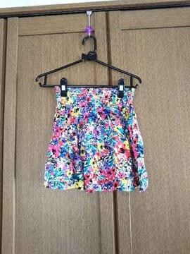 フォーエバー21 カラフル花柄スカート