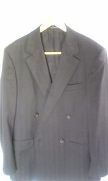 VERSACEベルサーチ黒折柄ストライプ スーツ