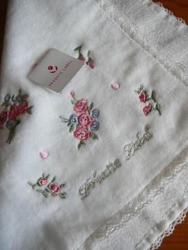 プライベートレーベルタオルハンカチ白小花刺繍
