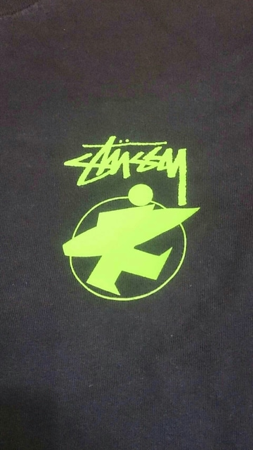 STUSSY  サーフマンTシャツ < ブランドの