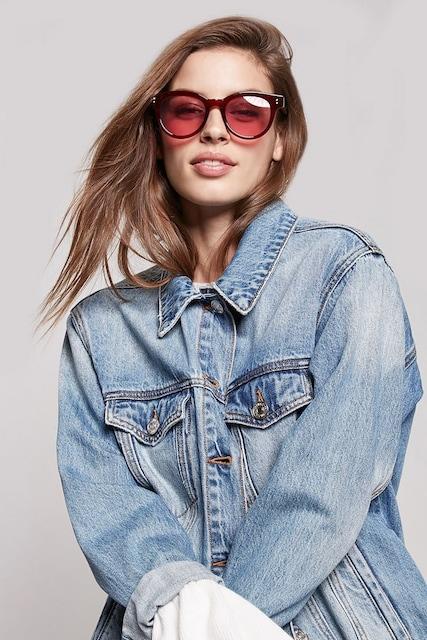 ★FOREVER21バーガンディレッド赤フレームUVボストンサングラス  < 女性ファッションの
