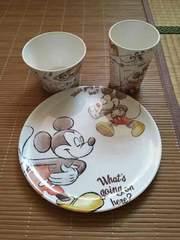 ディズニーストア・イラスト風ミッキーマウス柄食器3点セット。