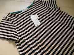 組曲 綺麗な形のお洒落Tシャツ タグ付き未使用品