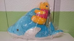 イルカに乗った「くまのプーさん」ディズニー