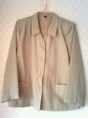 モスグリーン緑色★刺繍のジャケットスーツ★11号