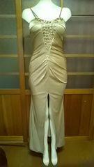 ゴールド 胸元ビジューロングドレス