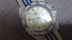 アディダスの腕時計