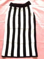 Roomy'sルーミーズ黒白ストライプタイトミディアムスカート