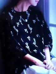 ●フラワー刺繍プルオーバー●新品3L ブラック