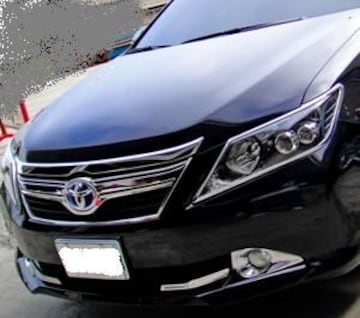 トヨタ メッキヘッドライトリング カムリ ハイブリット AVV50