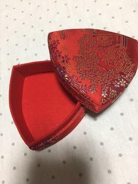 中国 布張り 蓋付き小物入れ 赤