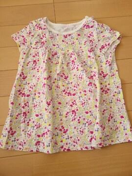 ユニクロ 花柄可愛いTシャツ