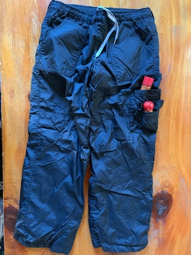ユニクロの冬用黒温めるズボン サイズ150