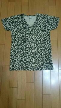 LONSDALE   VネックTシャツ