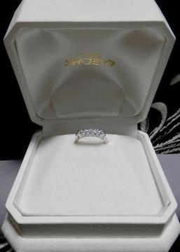 ■■繊細な枠にセッティングされた5粒ダイヤ、重ね付けにも!