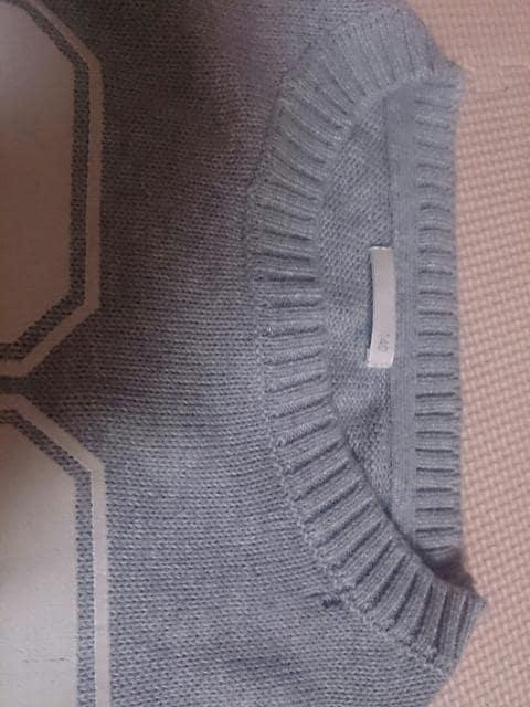 140 G.U グレーのセーター 訳あり < キッズ/ベビーの