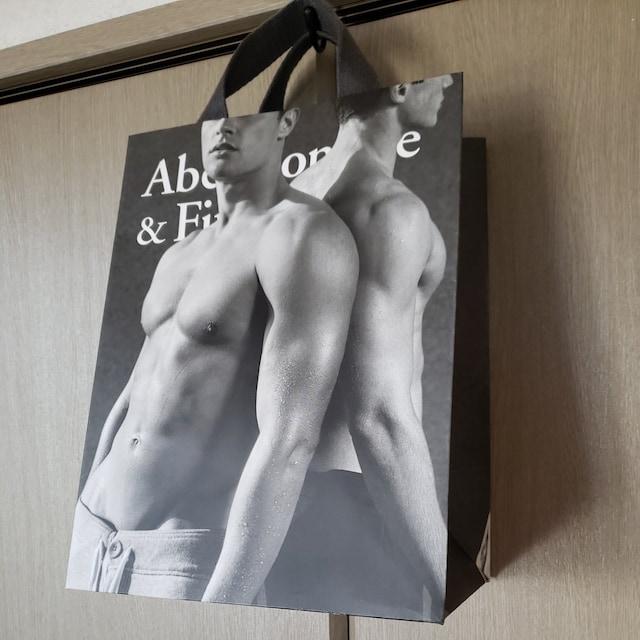 【アバクロ★ショップ袋】Abercrombie&Fitch♪プレゼントなどに  < ブランドの