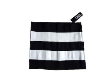 新品 USA輸入 wildcat 定価7245円 白 黒  タイト ミニ スカート