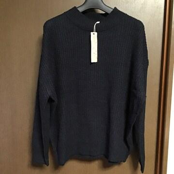 ネイビーニットセーター
